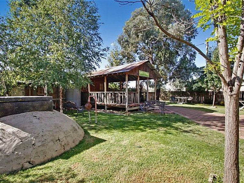 Boorowa Hotel - Inverell Accommodation