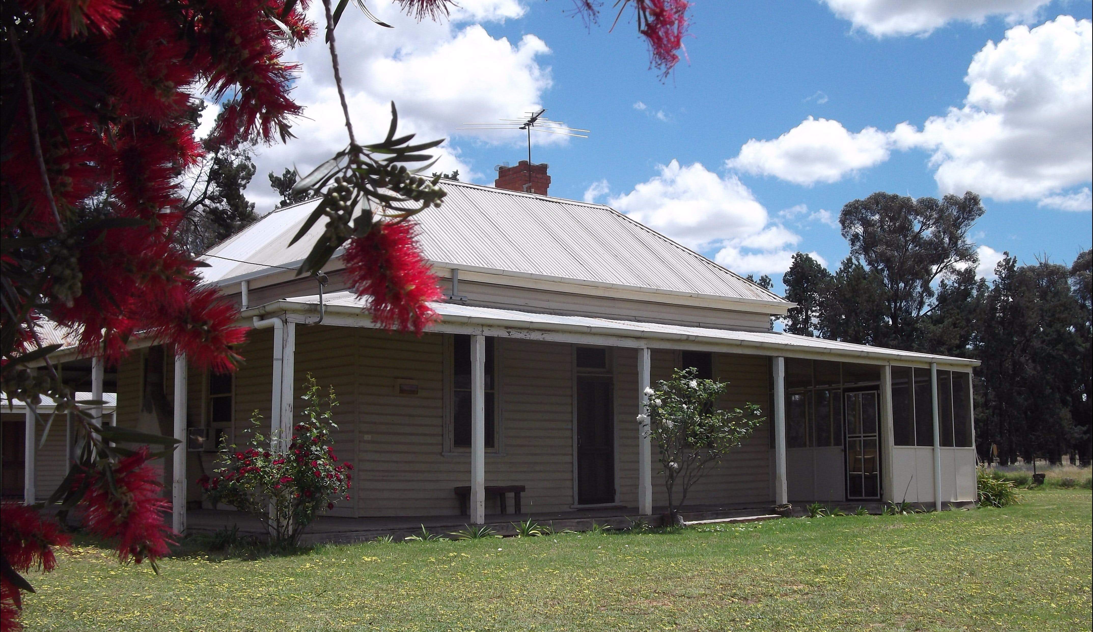 Savernake Farm Stay - Inverell Accommodation