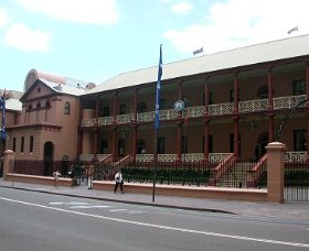Parliament House - Inverell Accommodation
