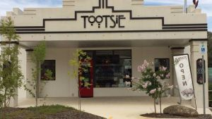 Tootsie Fine Art and Design - Inverell Accommodation
