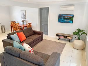 City Center - Modern 2-Bedroom Apartment Armidale
