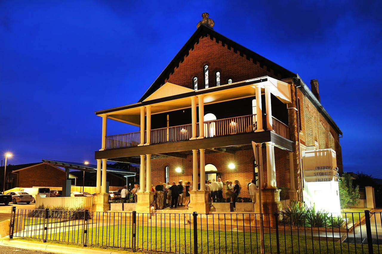 Perry Street Hotel - Inverell Accommodation