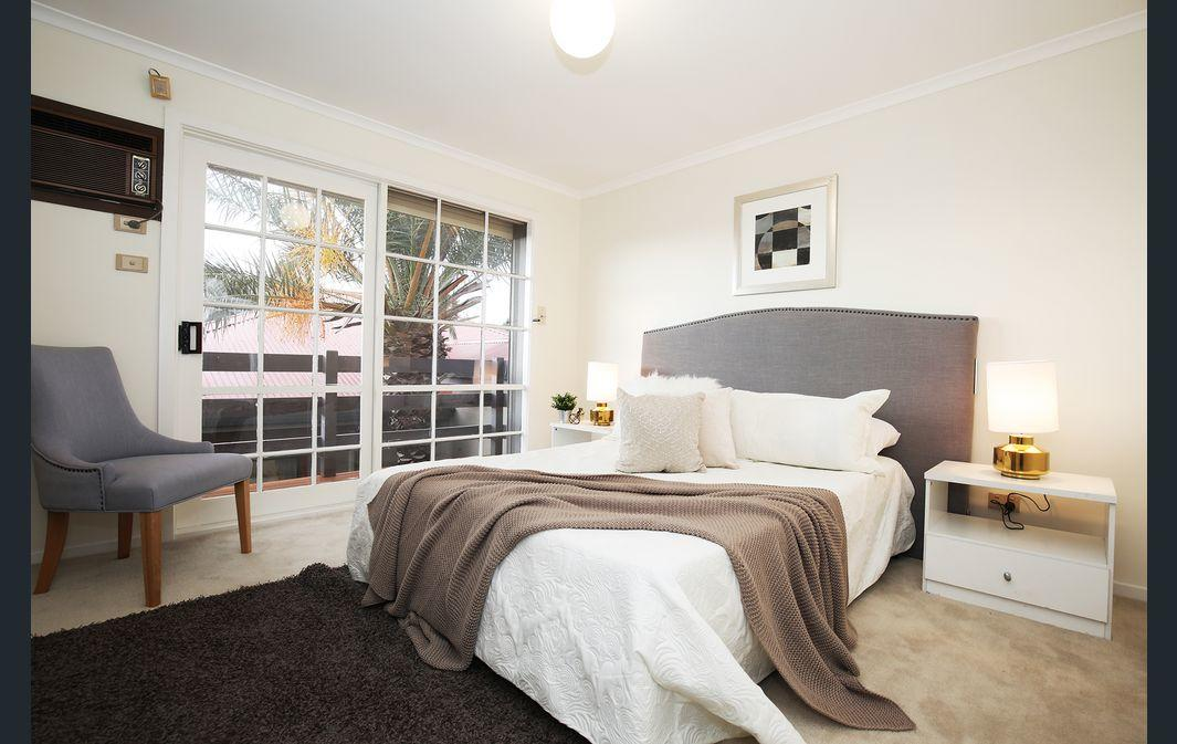 The Gallery Hours - Inverell Accommodation