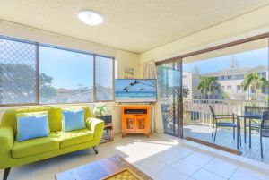 20 Kingsway 3 Bedroom Holiday Apartment - Inverell Accommodation