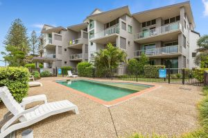 BEACH BLISS LUXURIOUS APARTMENT with POOL - Inverell Accommodation
